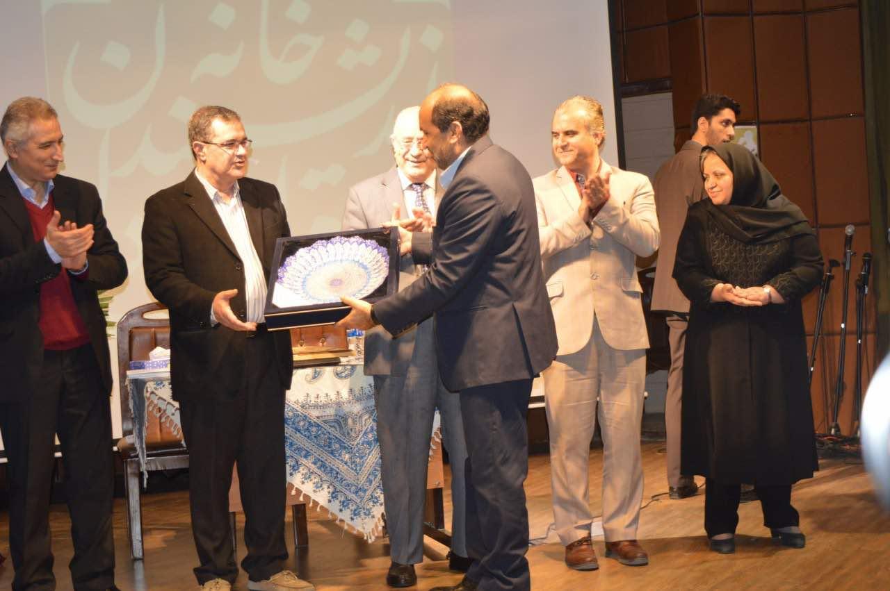 مراسم تجلیل از دکتر احمد نقیب زاده با مشارکت انجمن علمی مطالعات صلح ایران برگزار شد